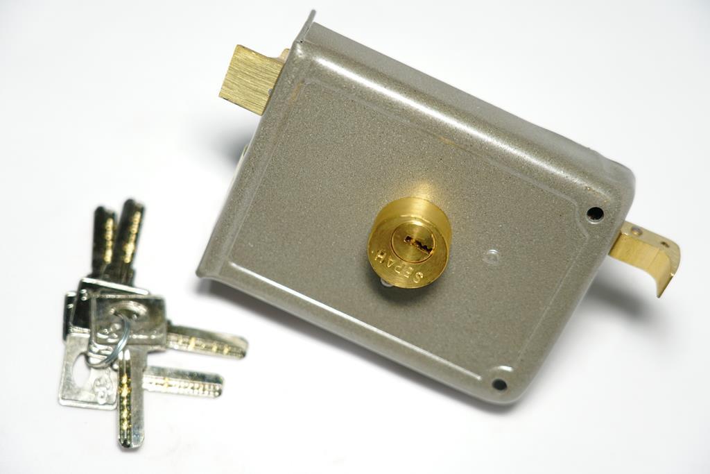 قفل در حیاطی کلید کامپیوتری